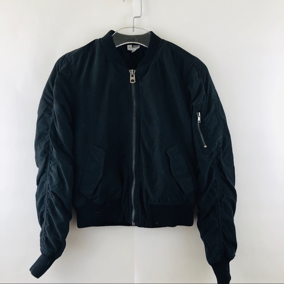 7c023a4c5 H&M DIVIDED BLACK BOMBER PUFFY JACKET!